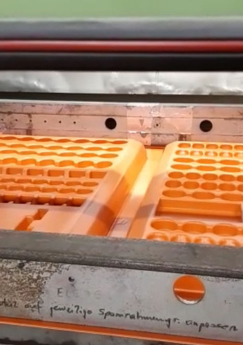 Blok Plastic Vacuumvormen.mp4