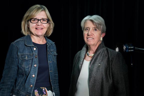 Hélène Pichette et Carolyn McAskie
