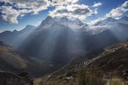 El Huandoy y sus Rayos Crepusculares Yungay Peru (Muestra- No para Venta)