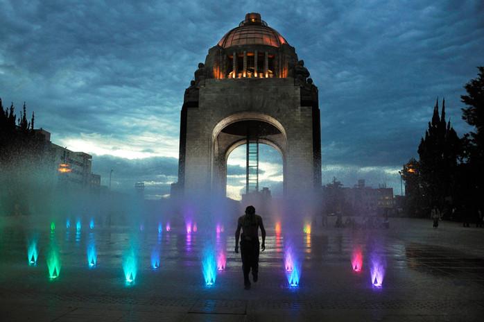 Monumento_a_la_Revolución..JPG