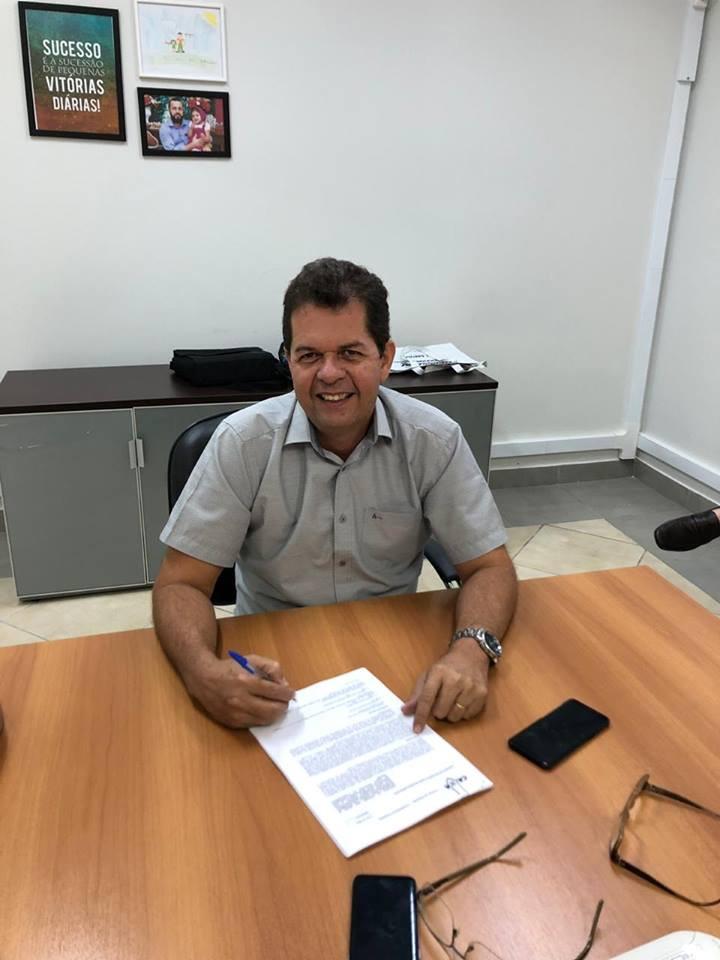 Prefeito Kiefer Cavalcante (Foto) garante R$ 2,8 milhões em investimento para recapeamento de ruas em Feijó