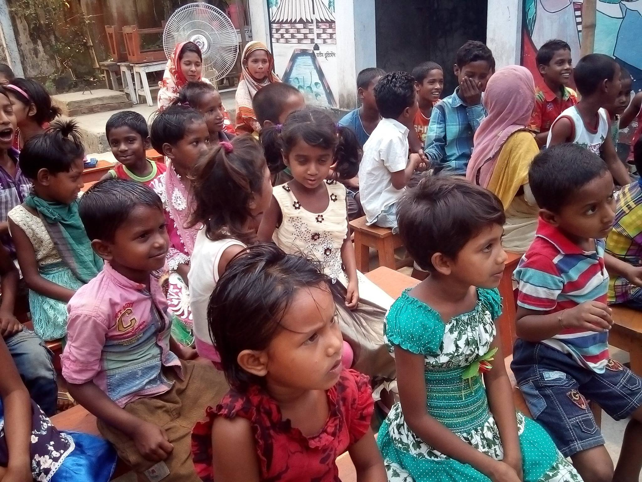 Easter slum children2