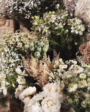 Our flowers 🖤🌾.jpg