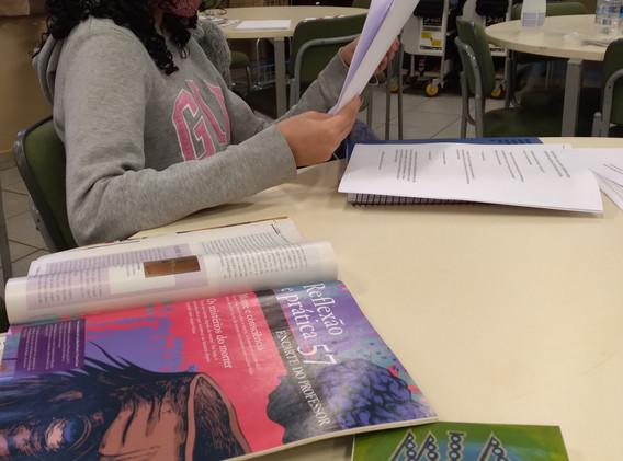 Fanzine - Recortando Palavras - Escola Paulo Cesar Carniel Giovanetti (3).jpg