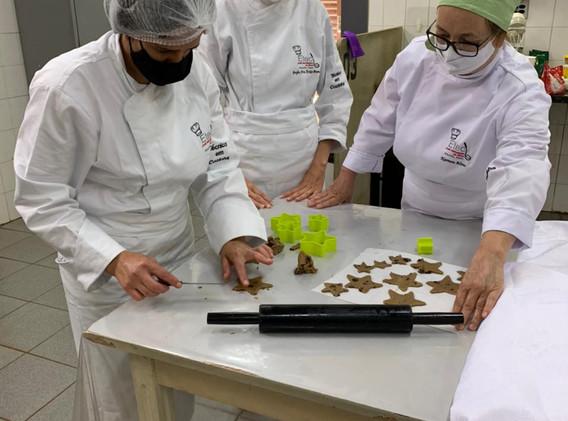 Fotos Curso de Cozinha - ETEC - Combinando Palavras Sérgio Vaz (6).jpeg
