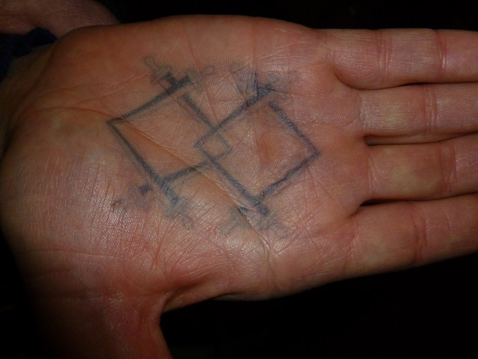 Grimm, Verrat Tattoo