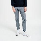 L'homme dans Jeans