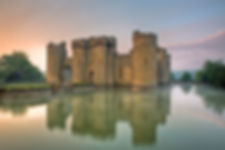 1280px-Bodiam-castle-10My8-1197.jpg