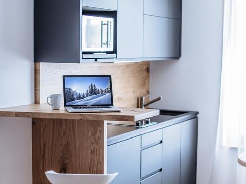 Küche Smart mit Arbeitsplatz