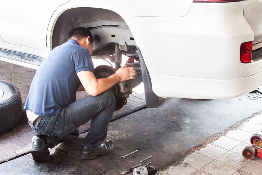 Ilustrasi mekanik cek suspensi | Brum Service | Brum Indonesia