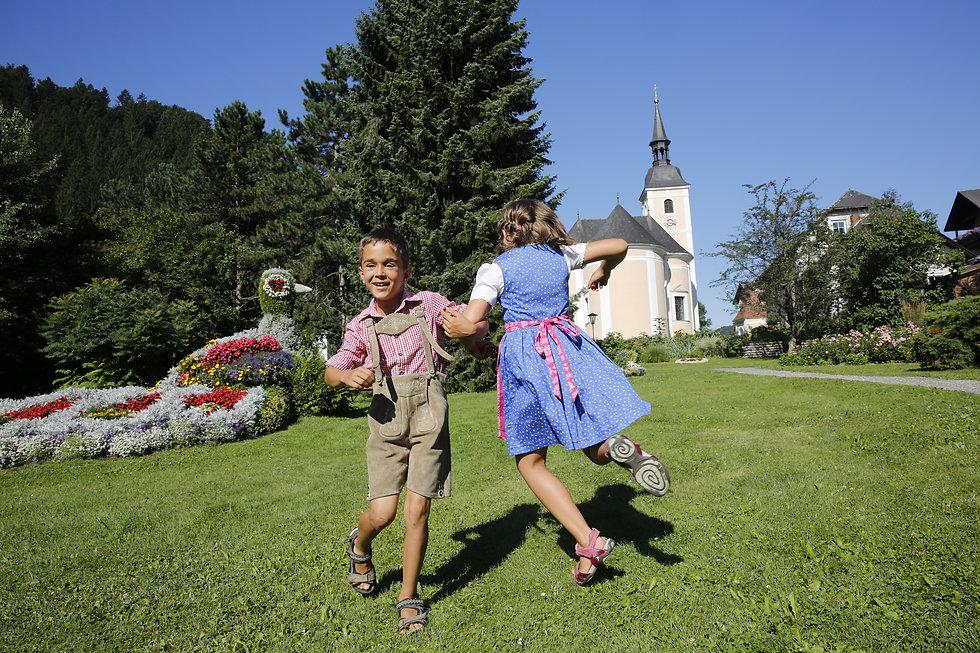 bestbest Tanzen bei den Blumen _X5A0286.