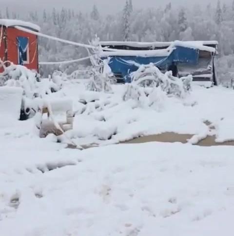 Снег на месторождении