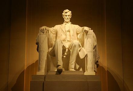 Lincoln-statue-web.jpg