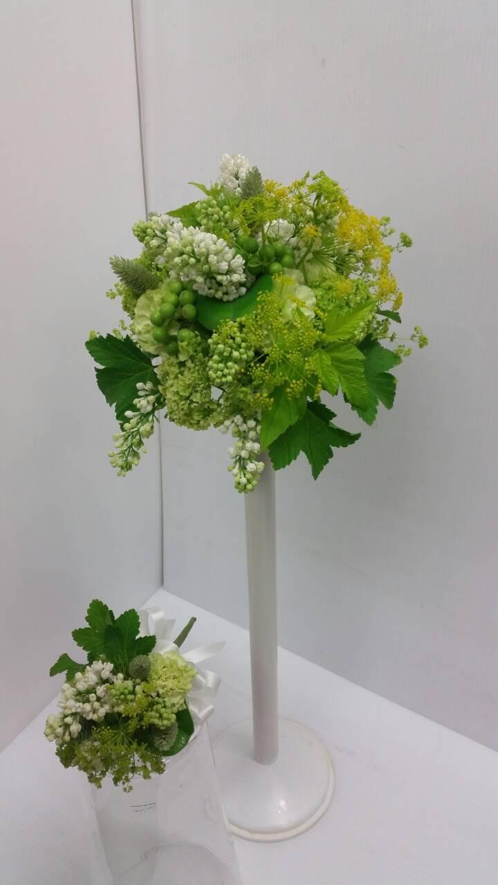 自然な素材(緑系)でお作りいたしました。ご注文ありがとうございました。末永くお幸せに(#^.^#)