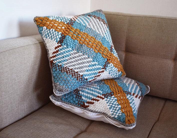 Cojín tejido MARINA / Woven cushion