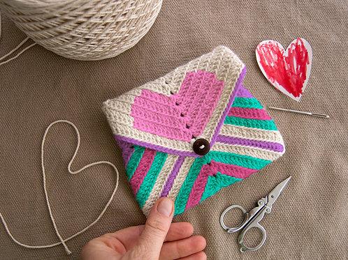 Heart Clutch / Crochet PDF instant download