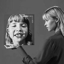 ANGÈLE___Universal_Music_France_1000.jpg