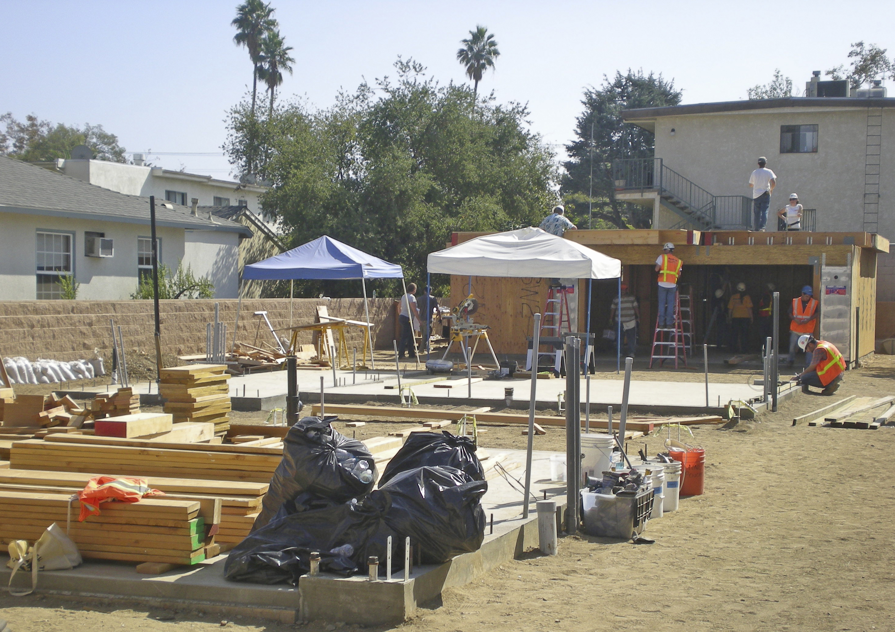 LAGC + Habitat For Humanity