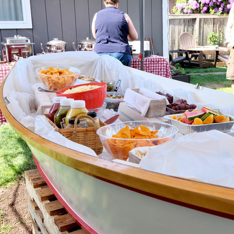 // picnic in a boat //
