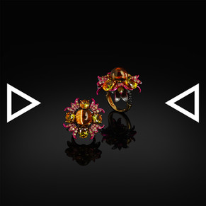 The Lily in the Medusa' Hair Ring