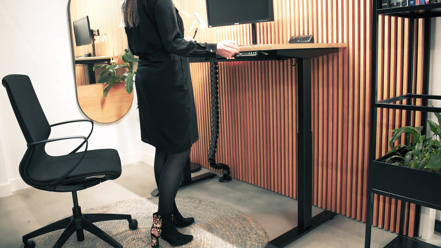 Workstories - Sit-Stand Solo product video.mp4
