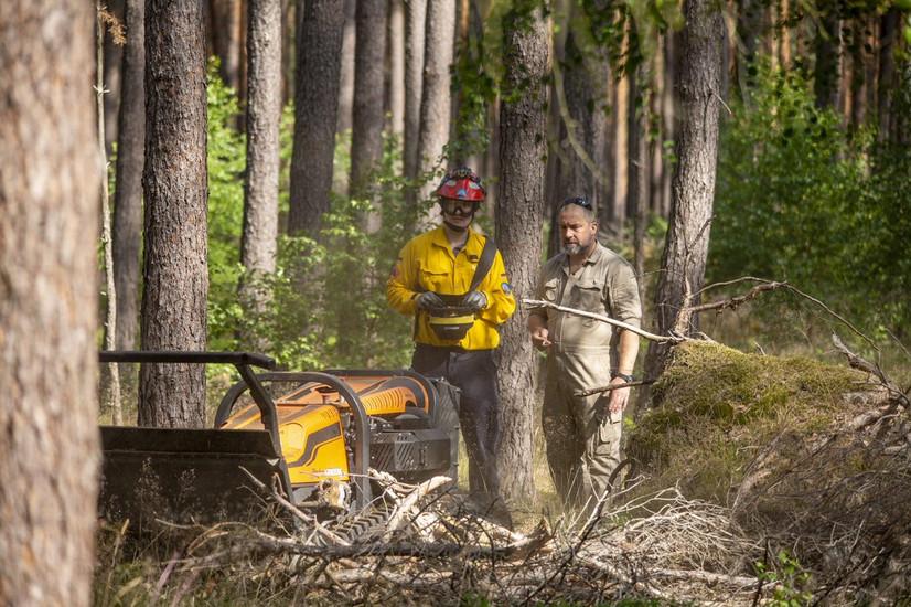 Waldbrandvorsorge mit der Feuerwehr - Arbeiten an der Demofläche bei Gartow gehen weiter