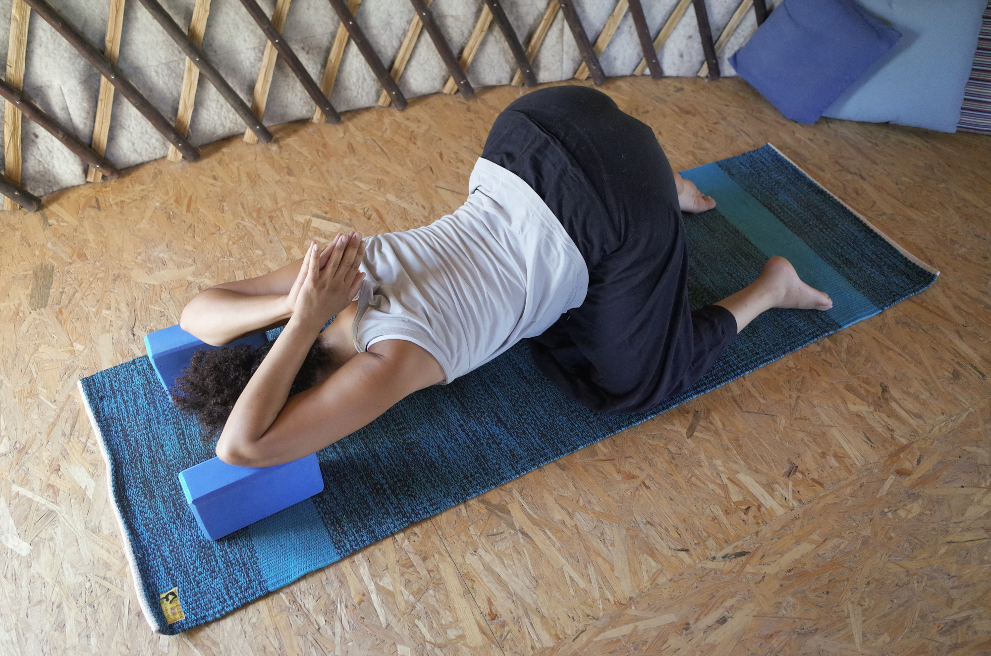 ouverture épaules yin yoga Angers
