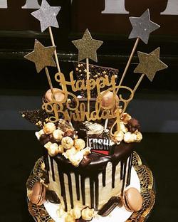 Drip Cake (custom)