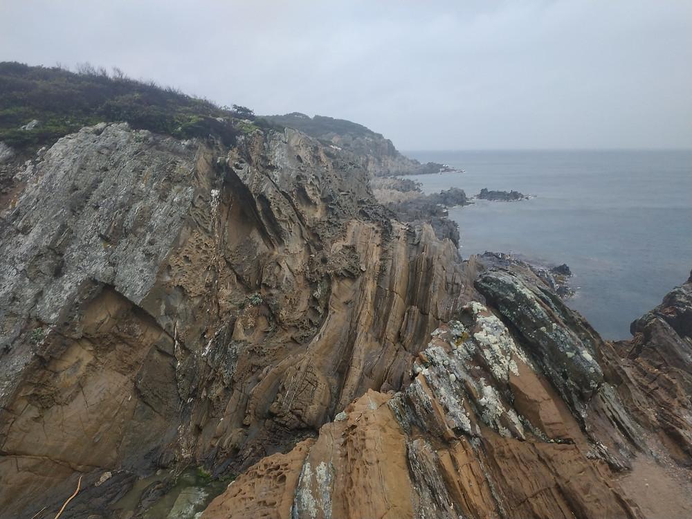 Formation géologique impressionnante à Port-Cros
