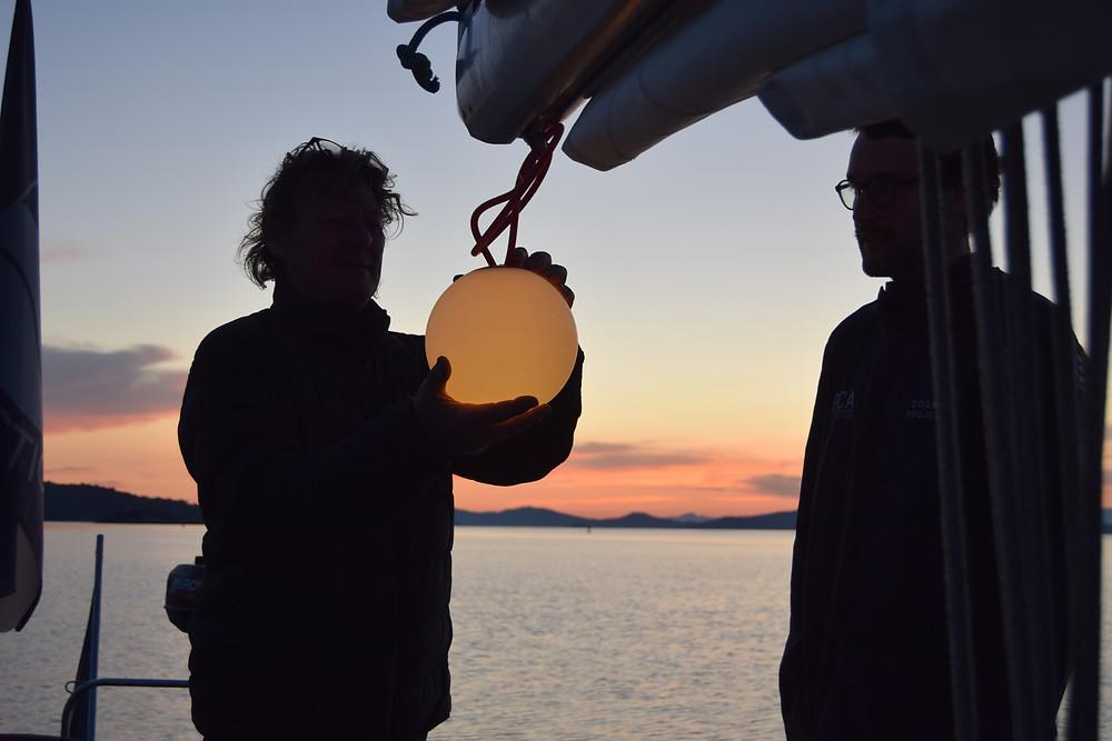 Coucher de soleil vu depuis un voilier sur Porquerolles