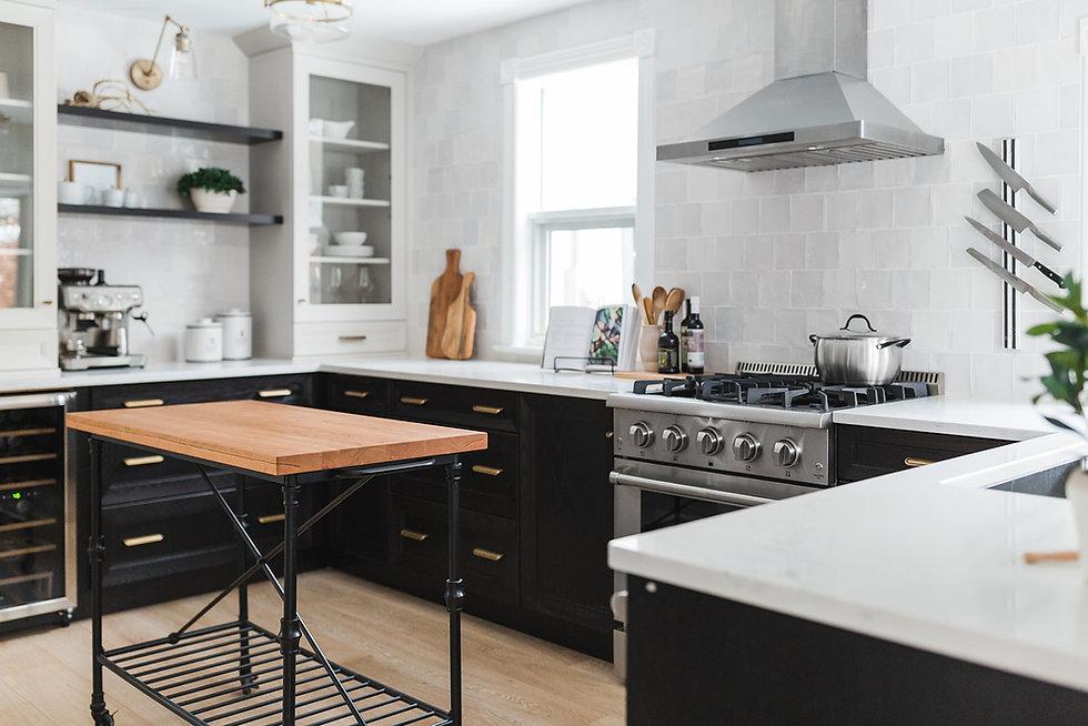 Wide kitchen w island.jpg