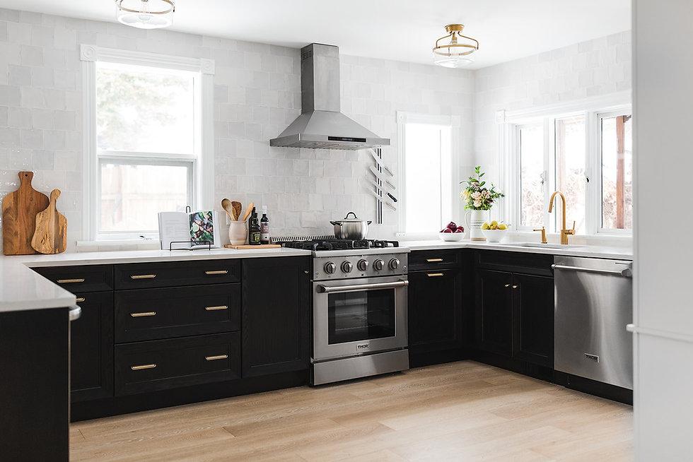 wide kitchen no island.jpg