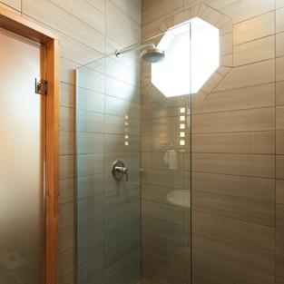 AdventureHotel_shower.jpg