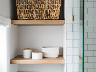 Bathroom open shelves 007.jpg