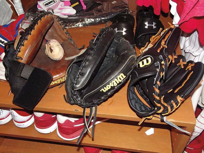 Carlos Ruiz's gloves.jpg