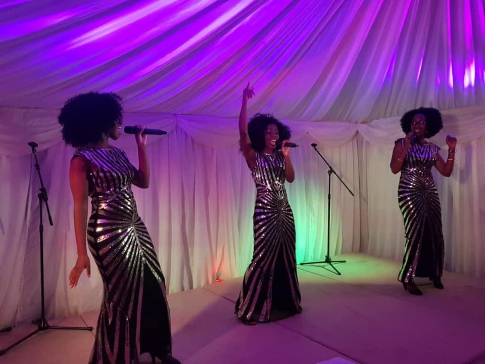 Sleeke Motown Glamour Live