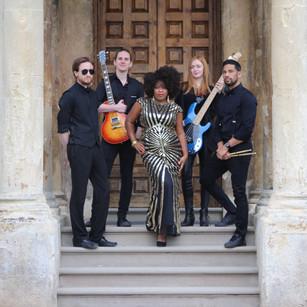 Tashara Forrest with Sleeke Band