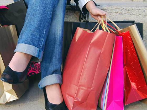 Lakukan Beberapa Cara Berikut Ini untuk Menghindari Perilaku Konsumtif