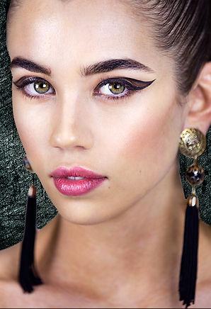 MUD Make-up Design Graphic Liner