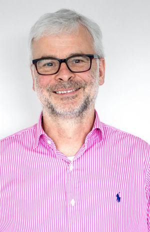Dr. med. Jörn Kreyenfeld, Facharzt für Neurologie und Psychiatrie bei Brainpunkt Bad Camberg ihrer Praxis für Neurologie, Psychiatrie und Psychotherapie