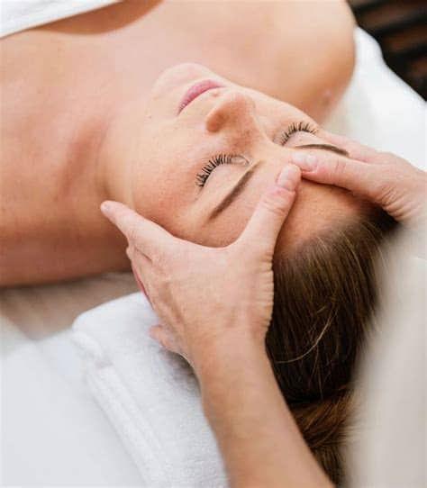 Massage naturopathique visage