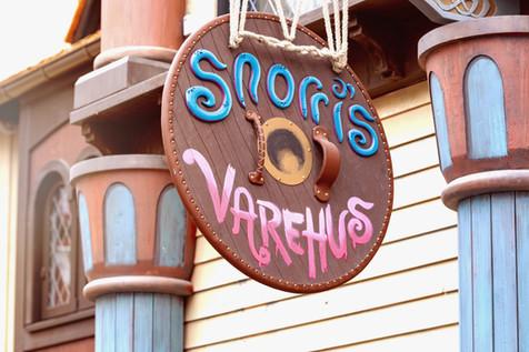 Snorri's Varehus Signage