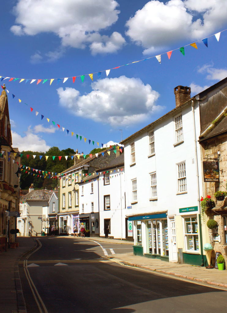 Ashburton is an attractive rural town in fantastic surroundings!