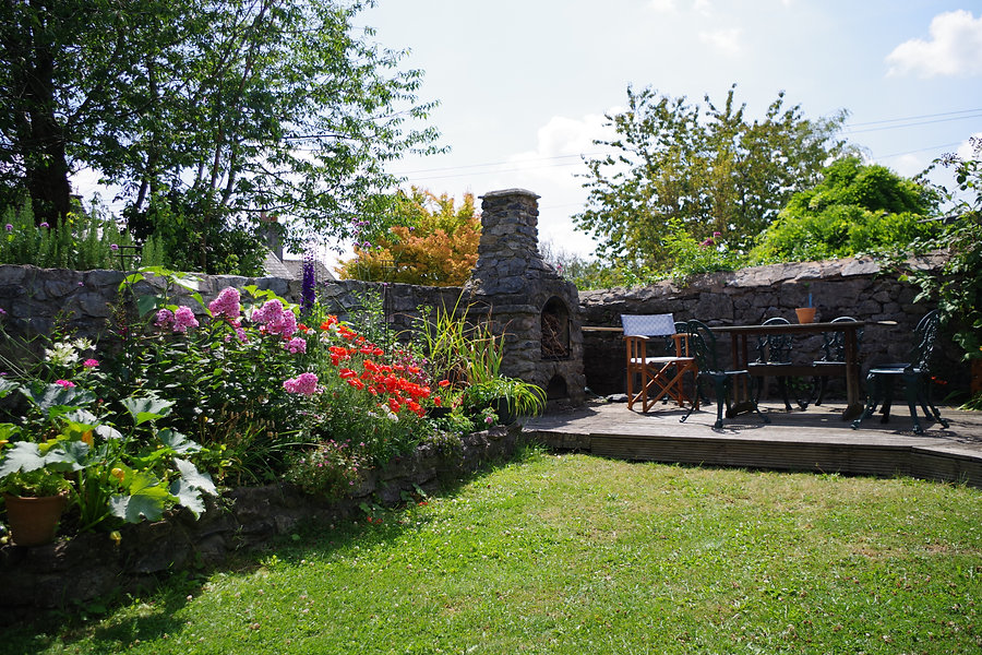 Picturesque garden at Ashburton Court B&B