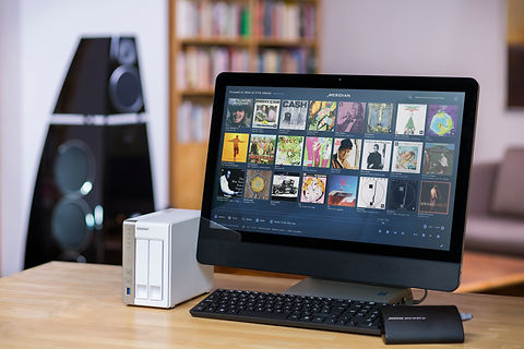 meida-source-200-touch-pc-set-up.jpg