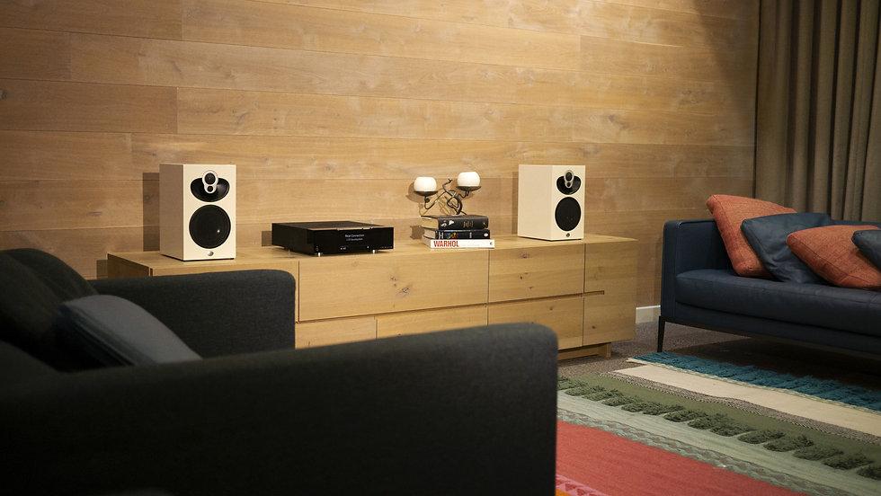 Majik DSM_109_Living Room Wide_sml.jpg