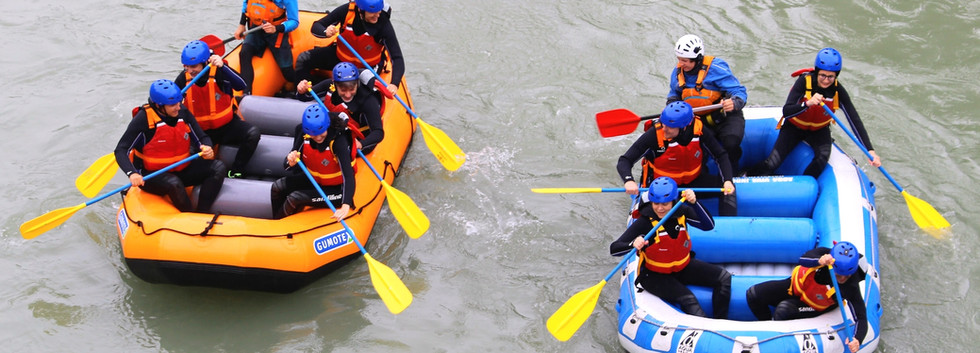 Team Building Rafting Guy Carpenter