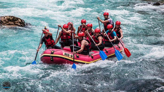 Rafting Team Building