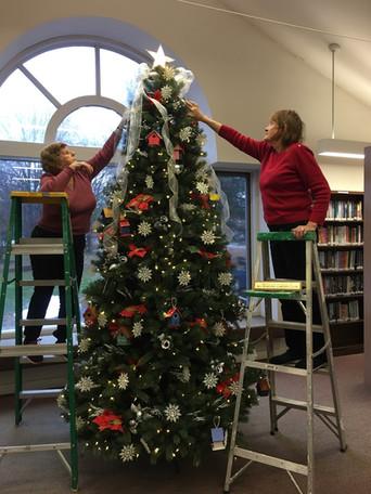 Library Xmas tree.jpeg