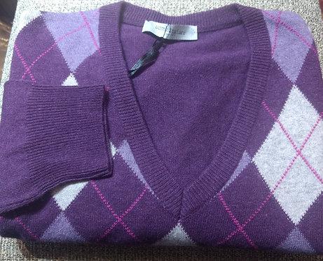 Argyle V-Neck Sweater in Plum/Silver